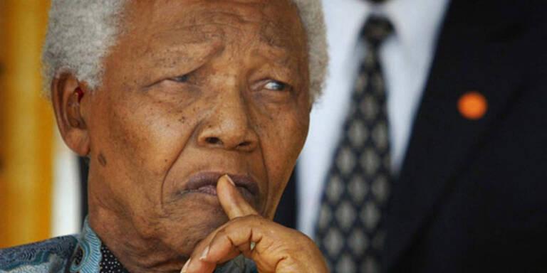 Nelson Mandela erneut im Krankenhaus