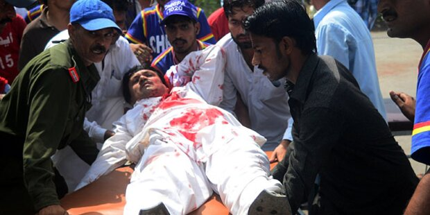 Pakistan: Blutiger Anschlag auf Politiker