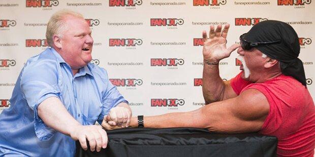 Hulk Hogan von Bürgermeister besiegt