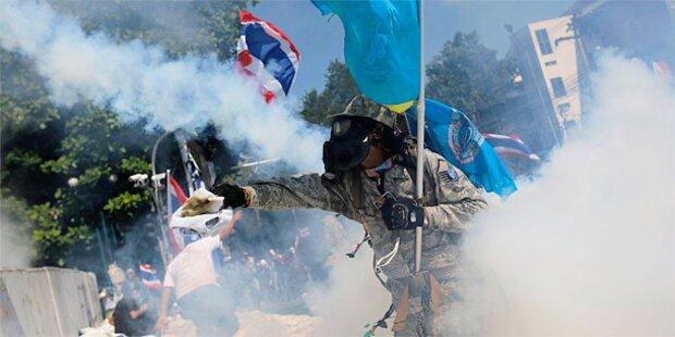 Tränengas bei Sturm auf Machtzentrale