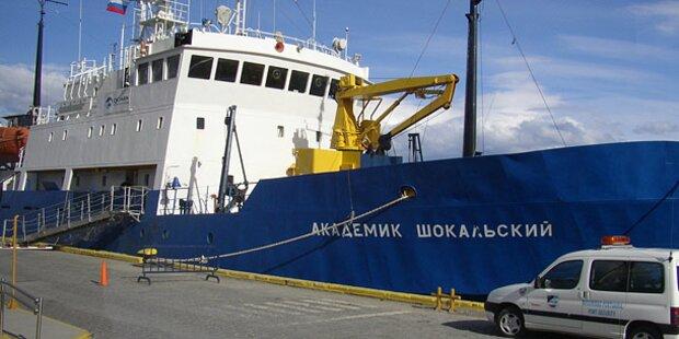 Keine Rettung für Schiff im Polareis