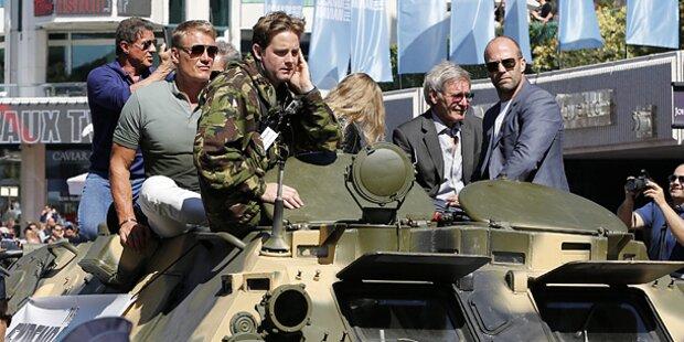 Stallone & Co.: Mit Panzer durch Cannes