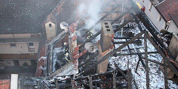 Spektakulärer Brand in Altstadt von St. Veit