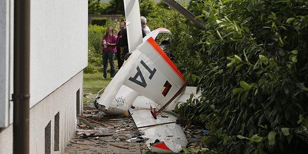 St. Pölten: Segelflieger stürzt in Wohngebiet