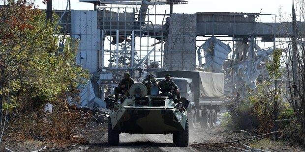 Artilleriefeuer am Flughafen von Donezk