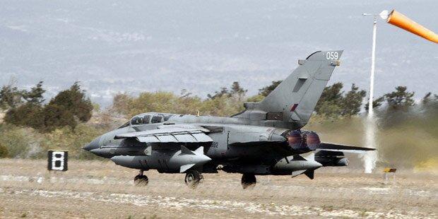 ISIS: Briten fliegen erste Luftangriffe