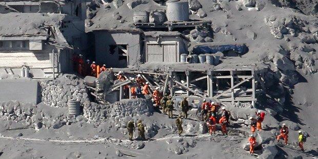 Vulkanausbruch in Japan: Dutzende Tote