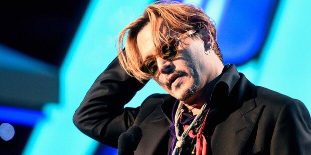 Depp: Elegant, aber gewohnt crazy
