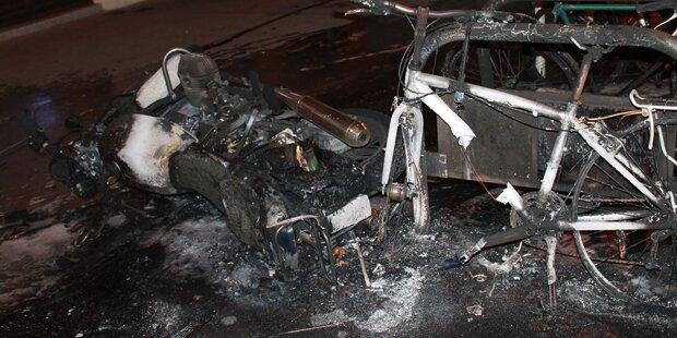Motorrad explodiert nach Crash