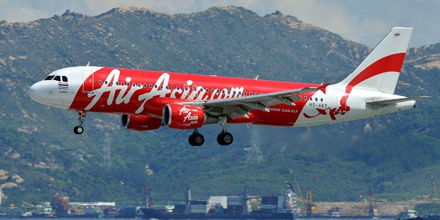 Flug QZ8501: Passagier-Jet verschwunden