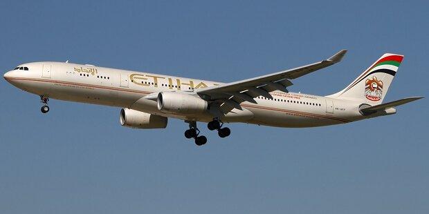 Horror-Flug: Todesfall, 40 Stunden Verspätung