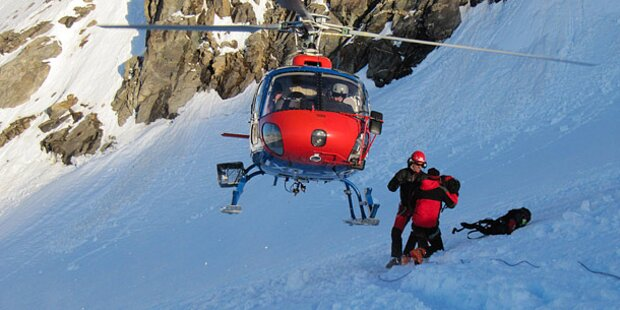 Bergsteiger brachen in Gletscherspalte ein