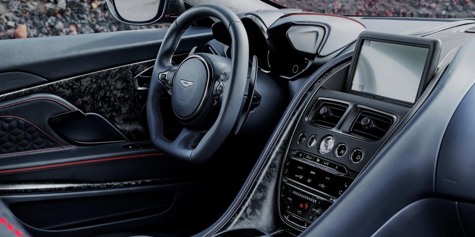 Aston-Martin-DBS-Superlegg.jpg