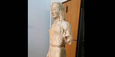 Athen: Antike Statue in Schafstall entdeckt