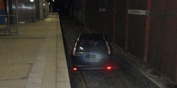 Betrunkener fuhr mit Auto in U-Bahn-Tunnel