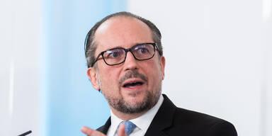 Schallenberg übergibt in Bosnien EU-Impfstoffhilfen