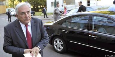Auch Strauss-Kahn wurde Opfer eines Schuhwerfers