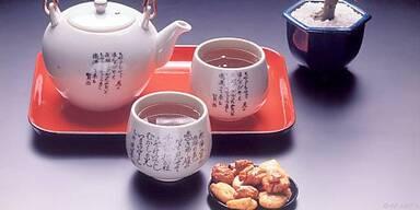 Auch grünen Tee sollte man von Kindern fernhalten