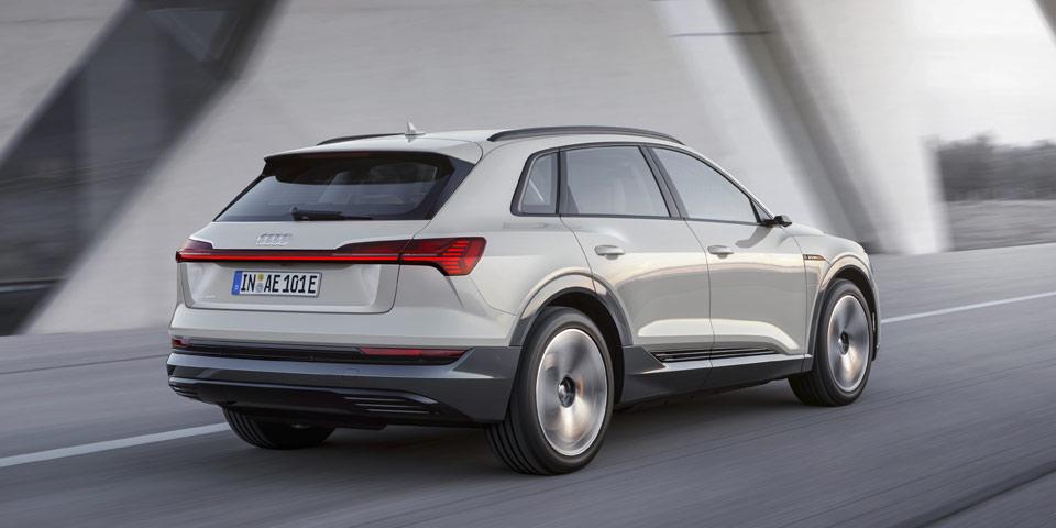 Audi-e-tron-960-off4.jpg