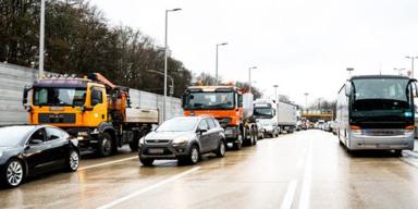 Auffahrunfall sorgt für Totalsperre auf der Mühlkreisautobahn