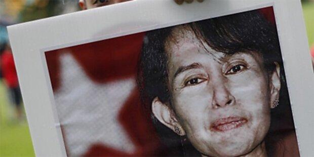 Oppositionschefin Suu Kyi vor Freilassung