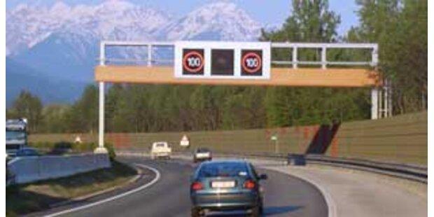 Zwei tödliche Verkehrsunfälle in OÖ