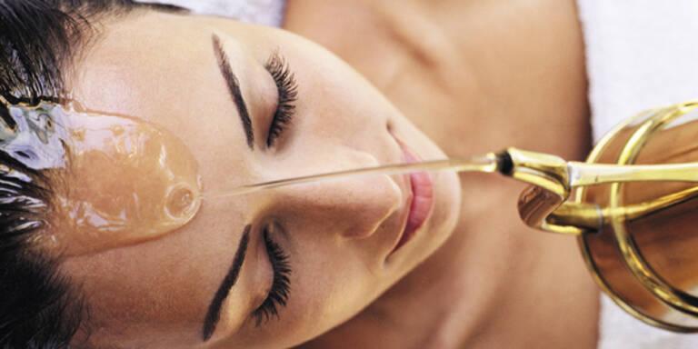 Ayurveda-Kopfguss - Mit Öl gegen Migräne und Schlafstörung