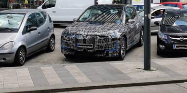 BMWs Elektro-Flaggschiff als Erlkönig in Wien erwischt
