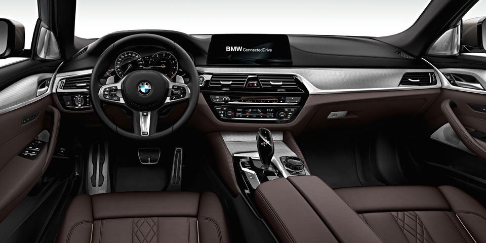 BMW-M550d-xDrive-960-off.jpg