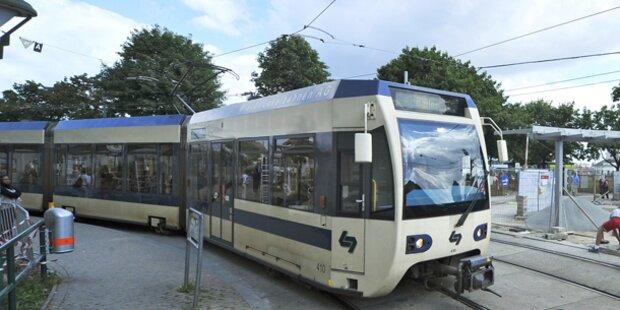 70-Jähriger kollidierte mit Badner Bahn