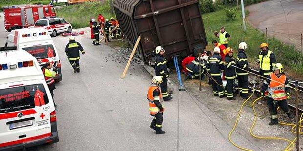 Drei Schwerverletzte bei Bahn-Unfall