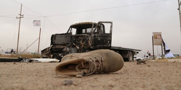 365 tote ISIS-Kämpfer in Massengräbern entdeckt
