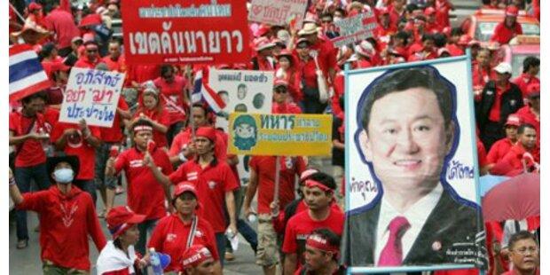 Thailands Regierungschef verharrt im Amt