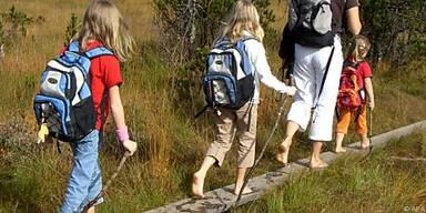 Barfuß laufende Kinder haben weniger Schweißfüße