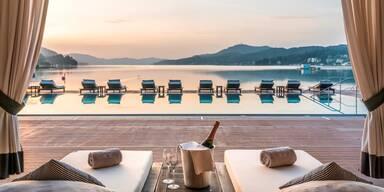 Beachclub Falkensteiner Hotel - Sonnenuntergang am Pool