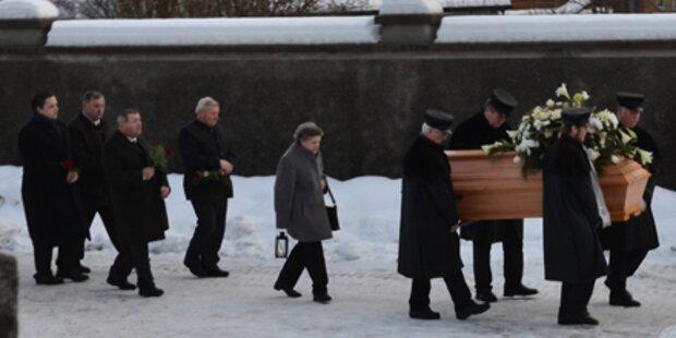 Bäuerin (71) beerdigt - Killer noch frei