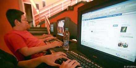 Römisches Krankenhaus behandelt Facebook-Sucht