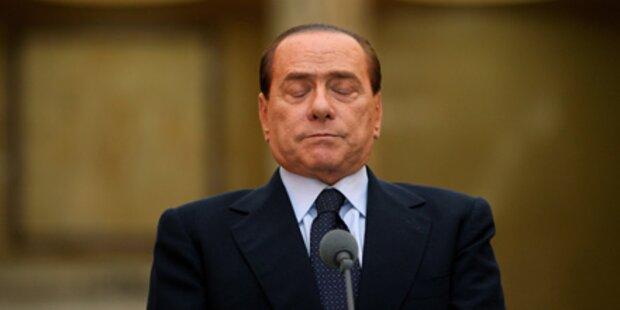 Berlusconi kämpft gegen Absturz