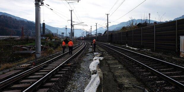 Nächtliche Bahnbauarbeiten am Bahnhof B'hofen