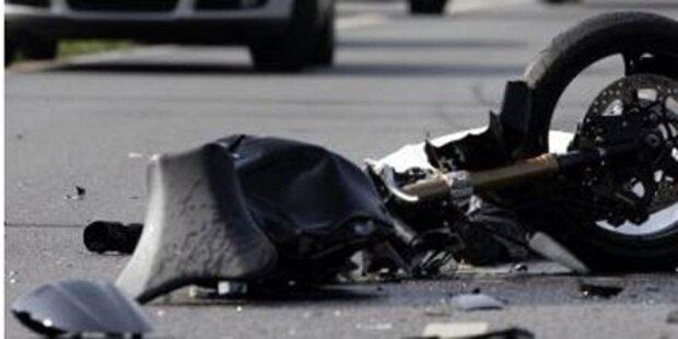 Biker von Lkw am Wiener Ring getötet