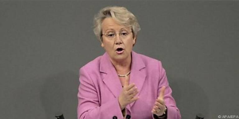 Bildungsministerin Schavan will Quotenregelung