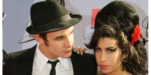 Amy Winehouse: Bald Geheim-Hochzeit?