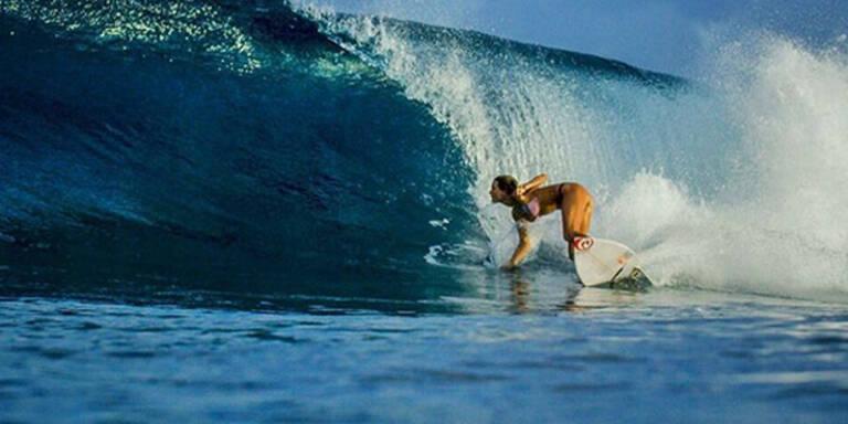Sexy Surf-Beauty geht fremd