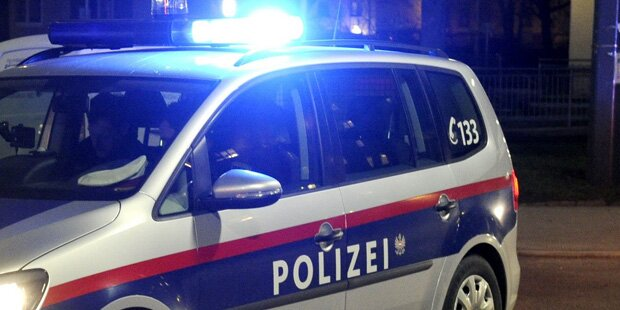 Randalierer verletzte Polizisten im Gesicht