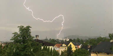 Blitzeinschlag FEATURE