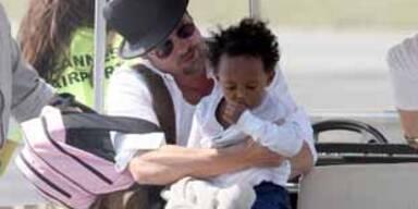Brad Pitt & Zahara auf Reisen KON