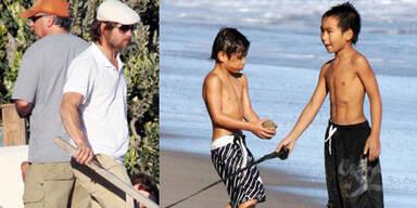 Brad Pitt mit Maddox & Pax Thien am Strand