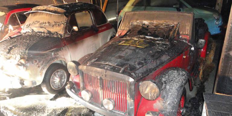 20 Oldtimer in Halle verbrannt