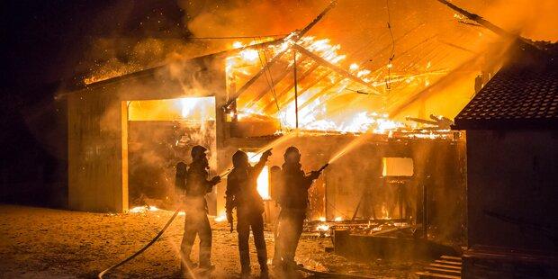 Megabrand auf Bauernhof in der Wachau