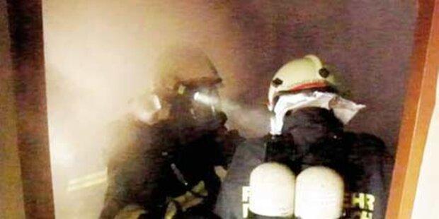 Frau aus brennendem Haus gerettet